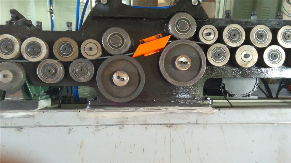 Автоматична машина за огъване на стремето