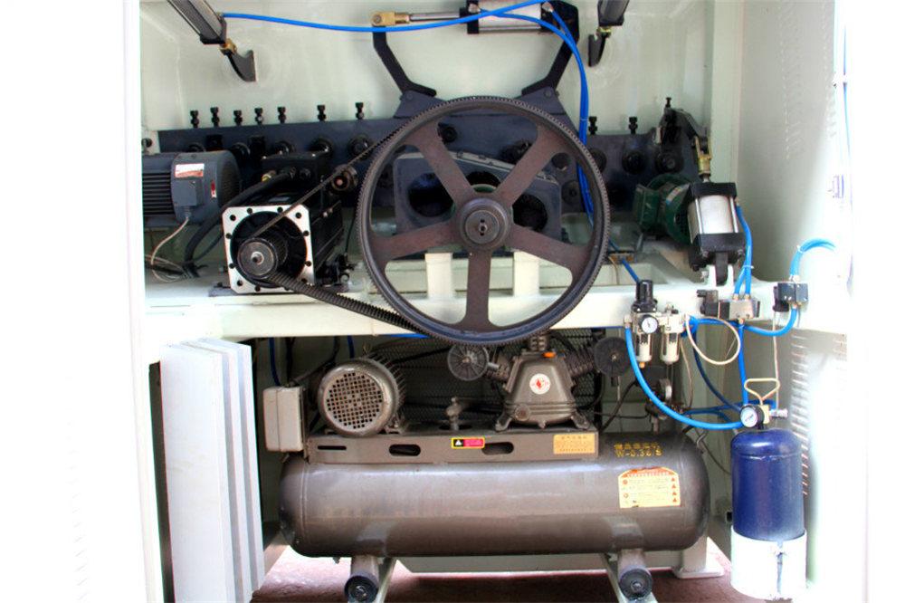 CNC машина за огъване на проводници4